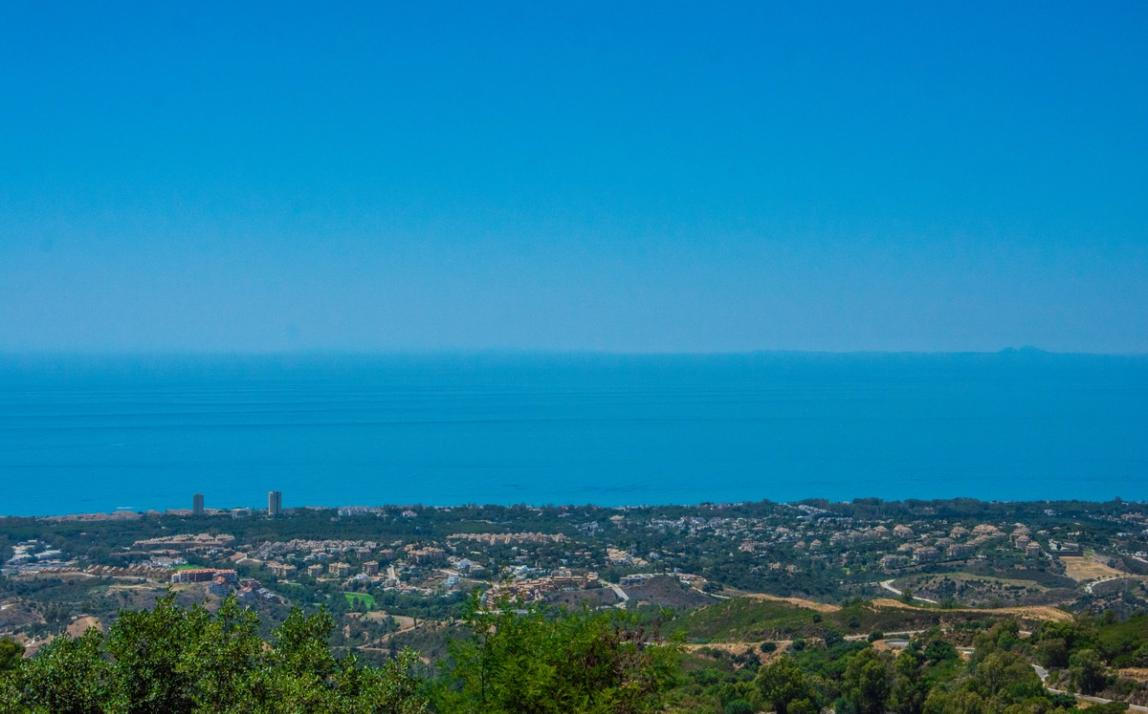 Spectacular Townhouse, south facing, La Mairena, in the hills above Marbella R3910717 2