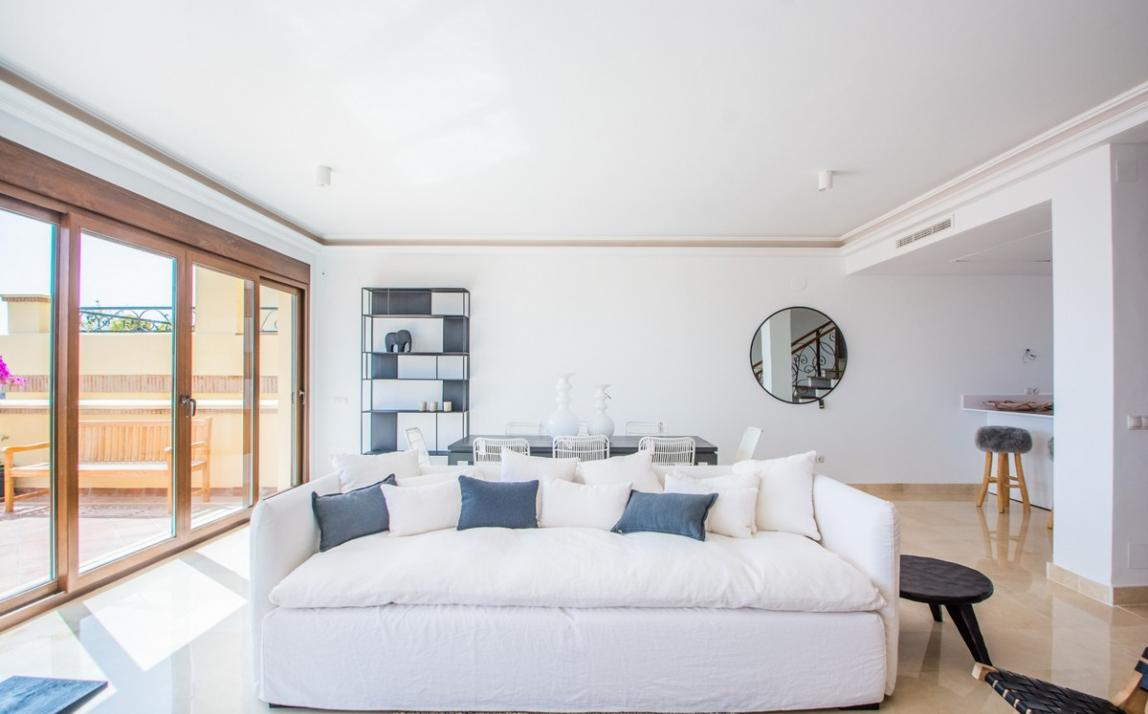 Spectacular Townhouse, south facing, La Mairena, in the hills above Marbella R3910717 3