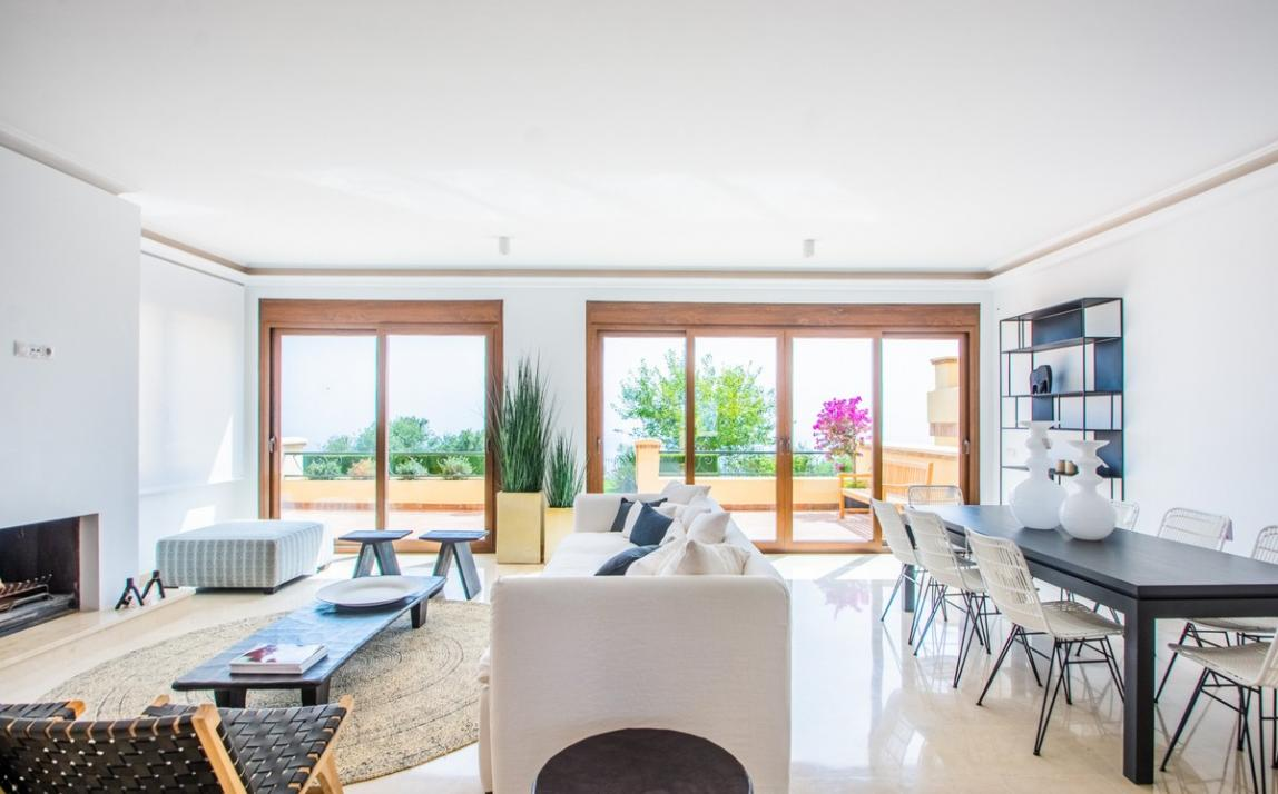 Spectacular Townhouse, south facing, La Mairena, in the hills above Marbella R3910717 11