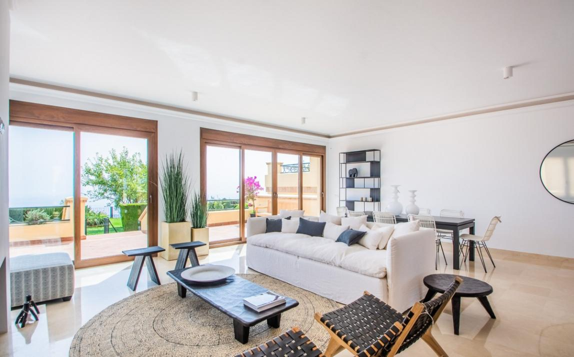 Spectacular Townhouse, south facing, La Mairena, in the hills above Marbella R3910717 12