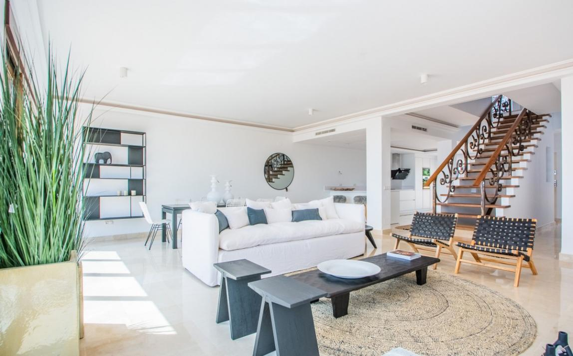 Spectacular Townhouse, south facing, La Mairena, in the hills above Marbella R3910717 13