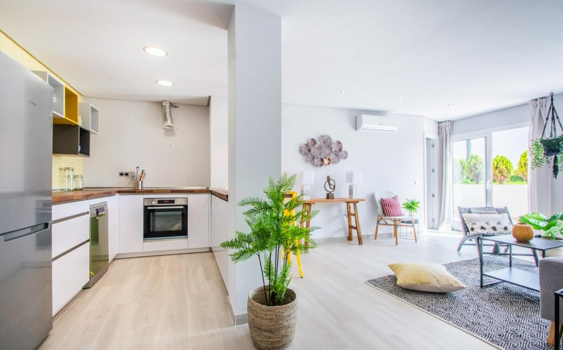 Apartment - Ground Floor, FIRST LINE BEACH, Elviria MARBELLA, R3913909 2