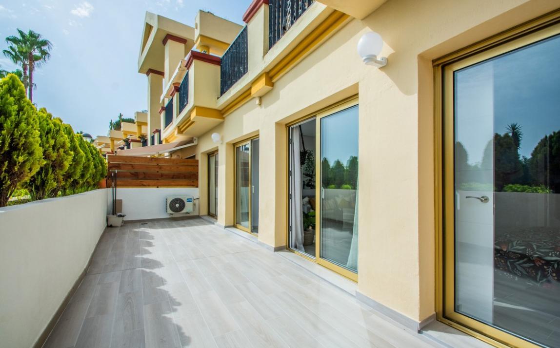 Apartment - Ground Floor, FIRST LINE BEACH, Elviria MARBELLA, R3913909 16