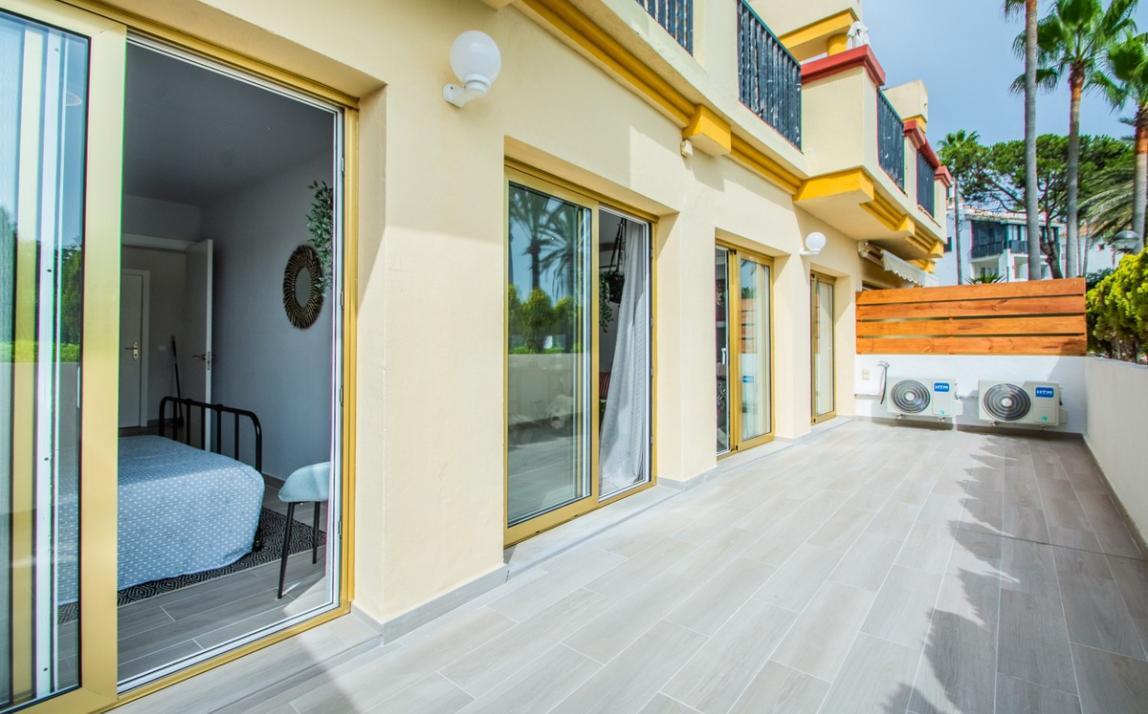 Apartment - Ground Floor, FIRST LINE BEACH, Elviria MARBELLA, R3913909 17