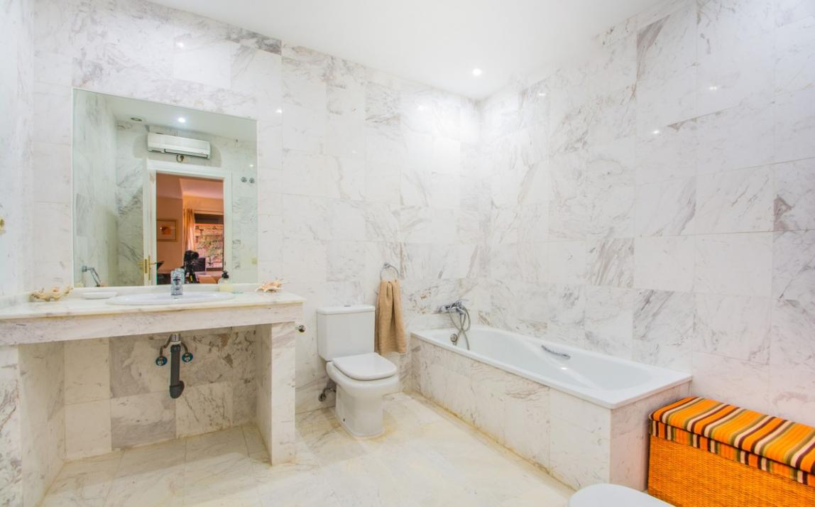 Apartment - Ground Floor, La Mairena Costa del Sol Málaga R3917869 20