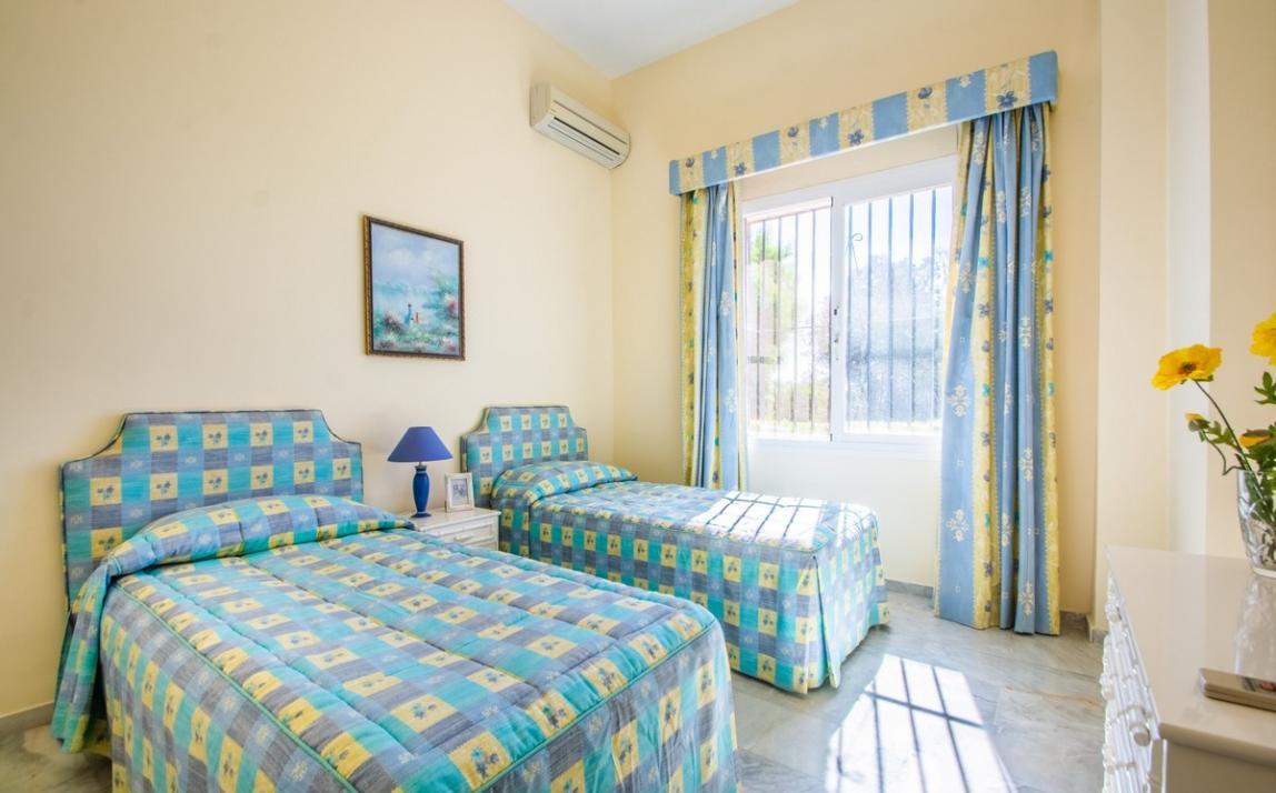 Apartment - garden level, La Mairena Costa del Sol Málaga R3939604 11