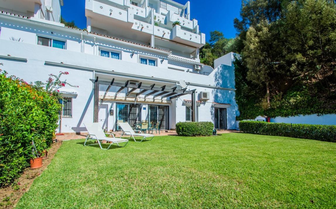 Apartment - garden level, La Mairena Costa del Sol Málaga R3939604 19