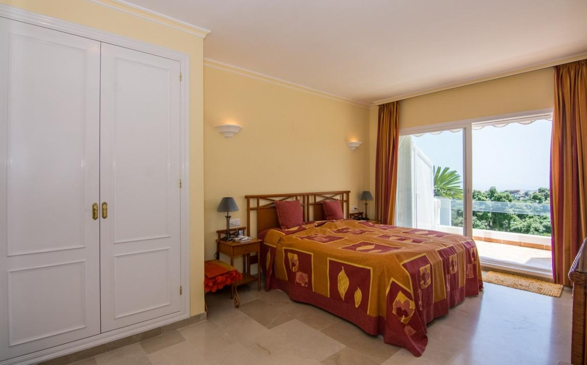 Apartment - Middle Floor, La Mairena Costa del Sol Málaga R2927930 9