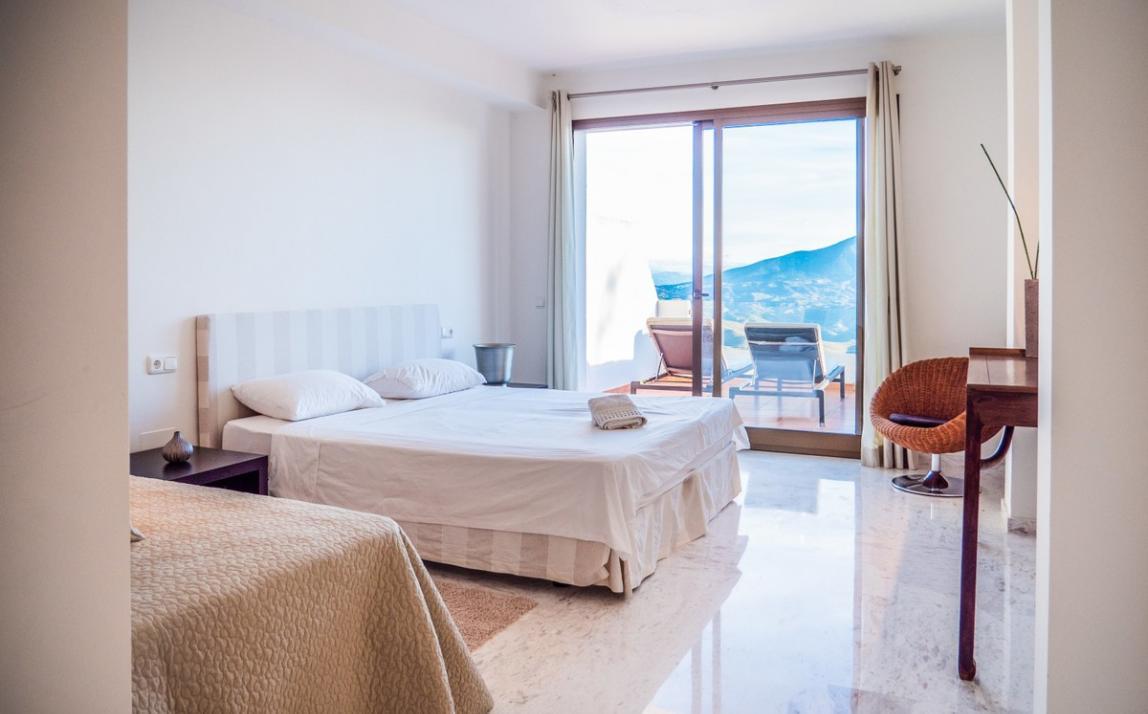 Apartment - Middle Floor, La Mairena Costa del Sol Málaga R3551749 12