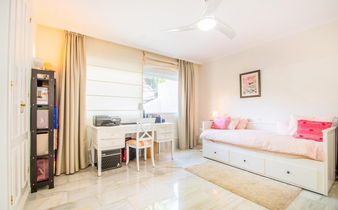 Apartment - Middle Floor, La Mairena Costa del Sol Málaga R3916156 14