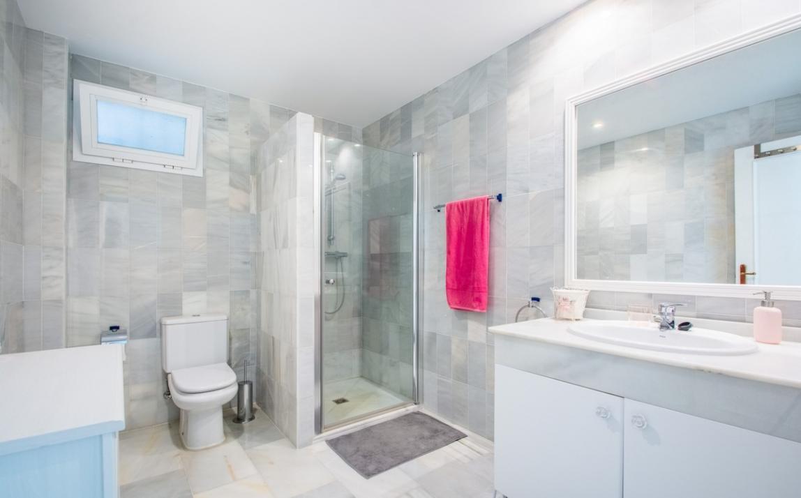 Apartment - Middle Floor, La Mairena Costa del Sol Málaga R3916156 15