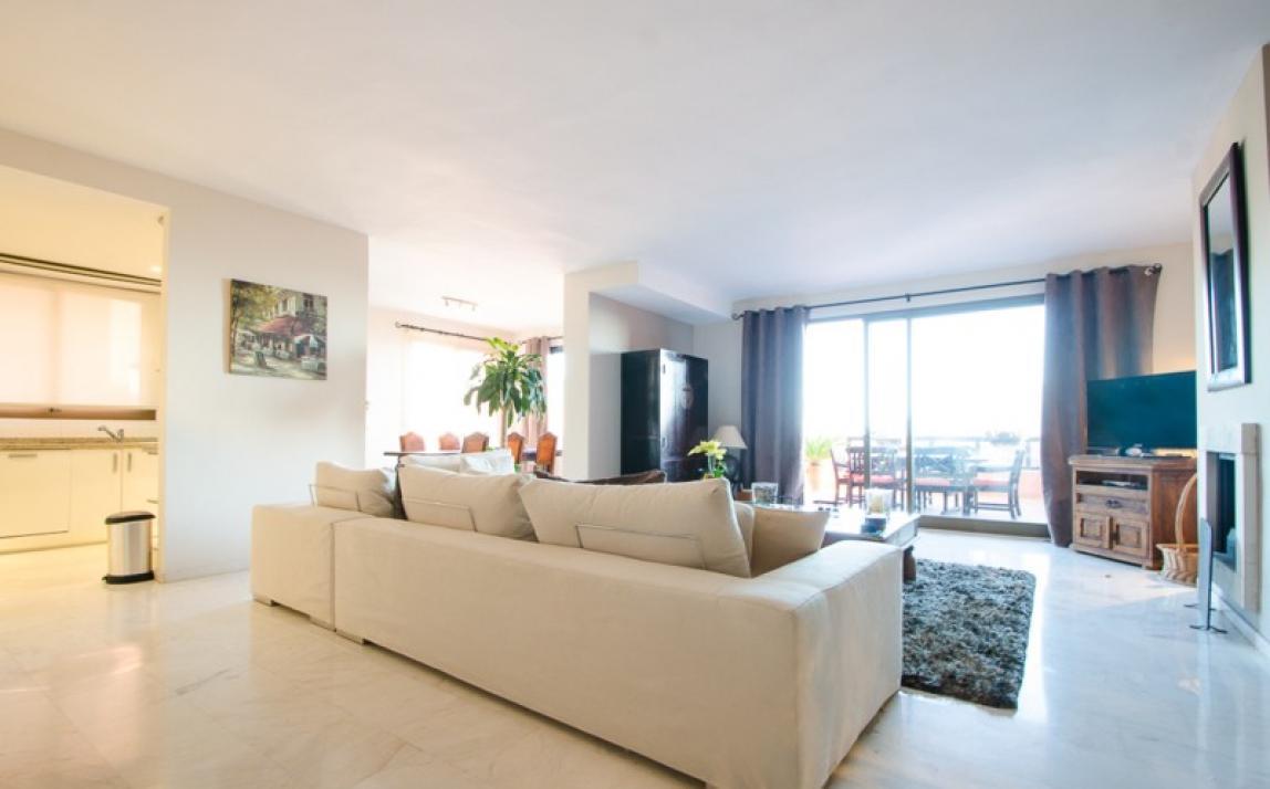 Apartment - Middle Floor, La Mairena Costa del Sol Málaga R3918760 8