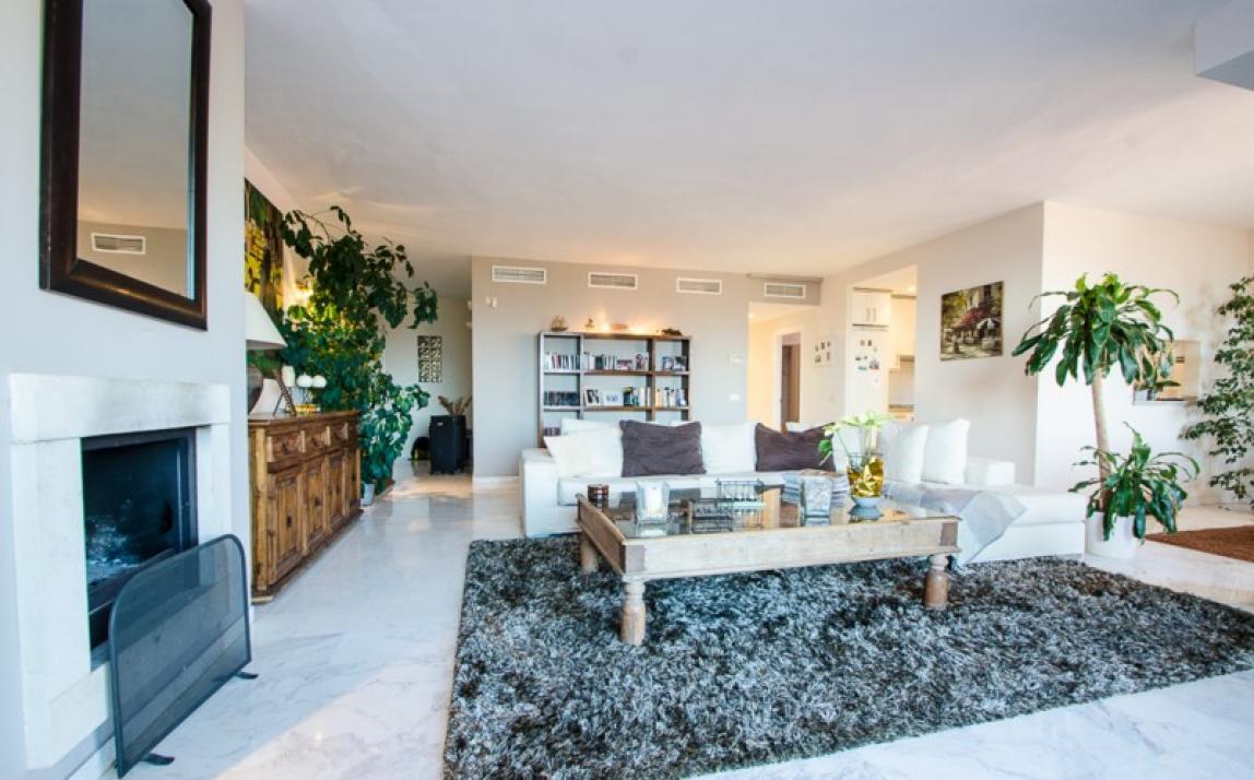 Apartment - Middle Floor, La Mairena Costa del Sol Málaga R3918760 9