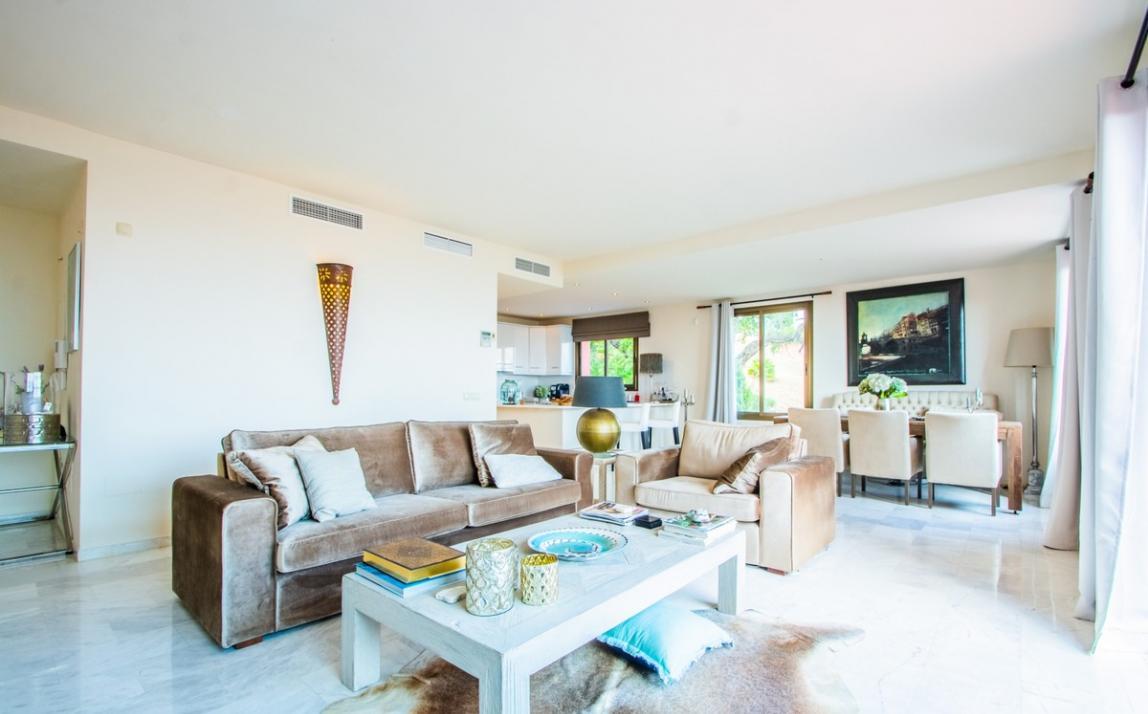Apartment - Middle Floor, La Mairena Costa del Sol Málaga R3939547 1