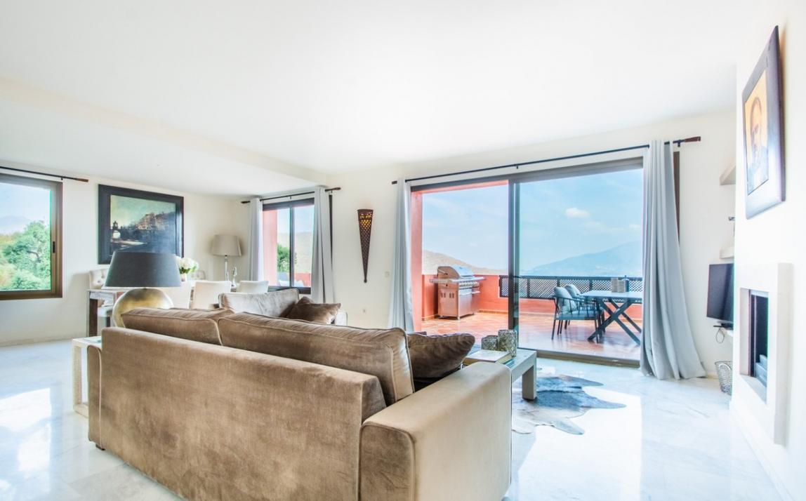 Apartment - Middle Floor, La Mairena Costa del Sol Málaga R3939547 2