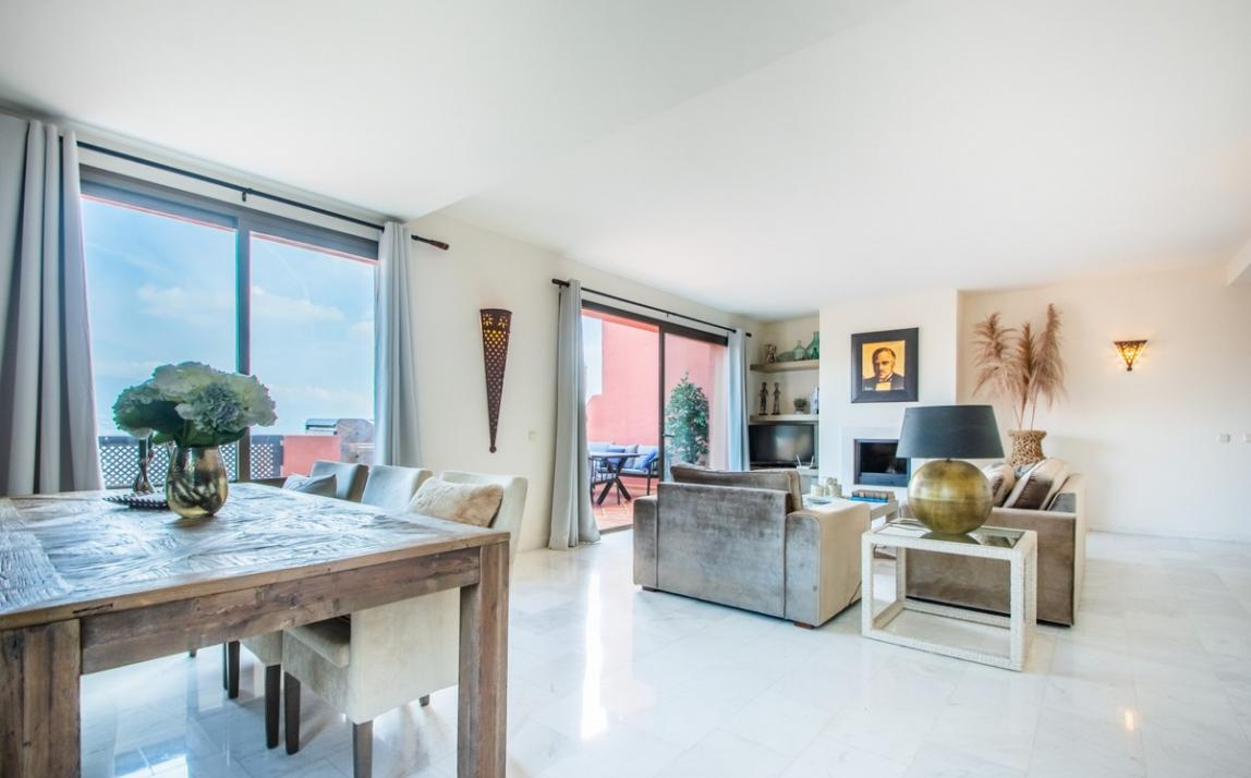 Apartment - Middle Floor, La Mairena Costa del Sol Málaga R3939547 3