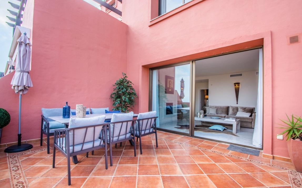 Apartment - Middle Floor, La Mairena Costa del Sol Málaga R3939547 8