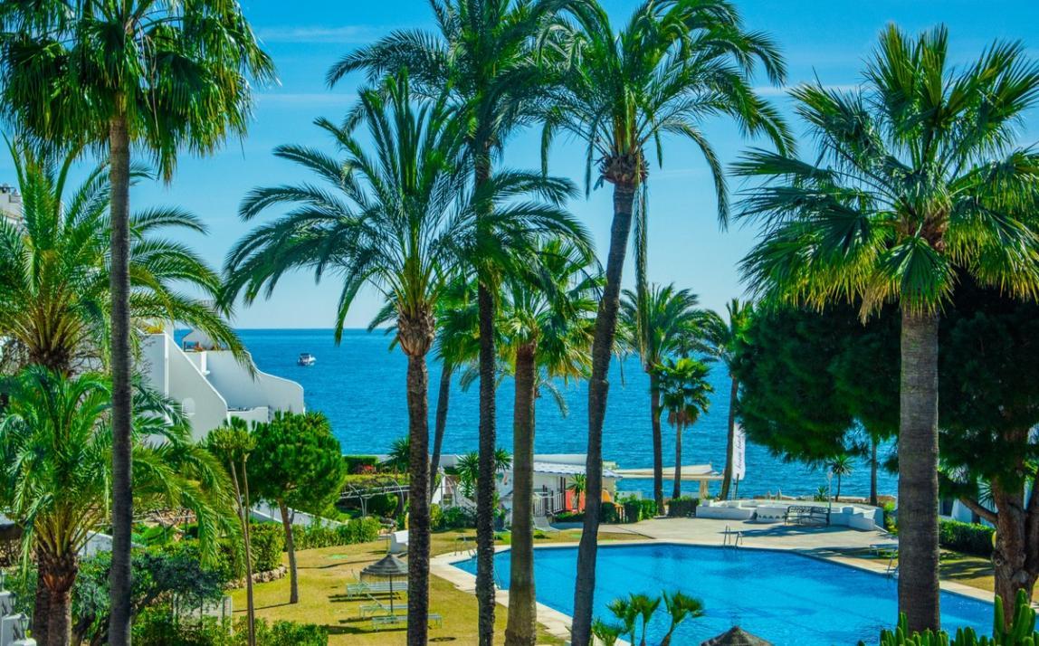 Apartment - Middle Floor, The Golden Mile Costa del Sol Málaga R3785416 1