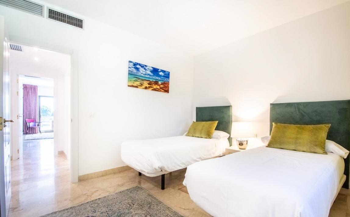 Apartment - Middle Floor, The Golden Mile Costa del Sol Málaga R3785416 14