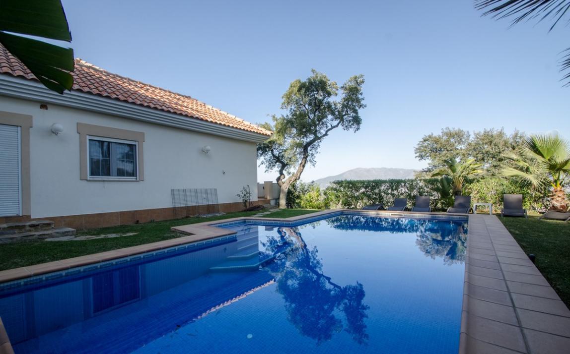 Villa - Detached, La Mairena Costa del Sol Málaga R2622611 1