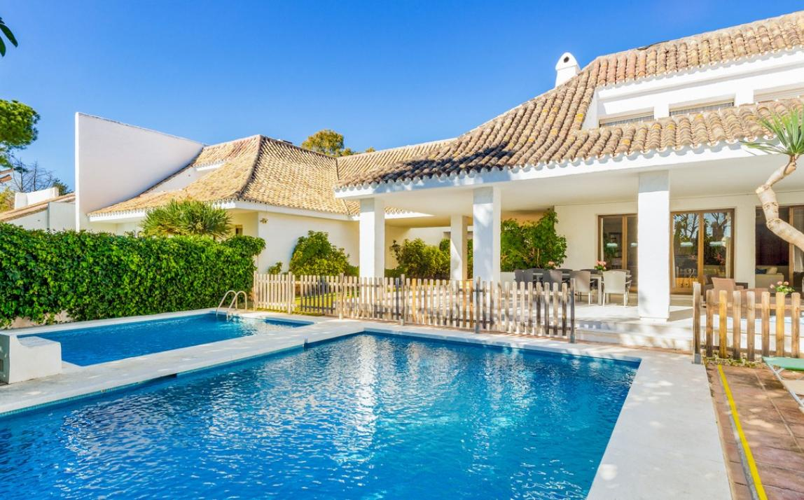 Villa - Detached, Puerto Banús Costa del Sol Málaga R3470608 1