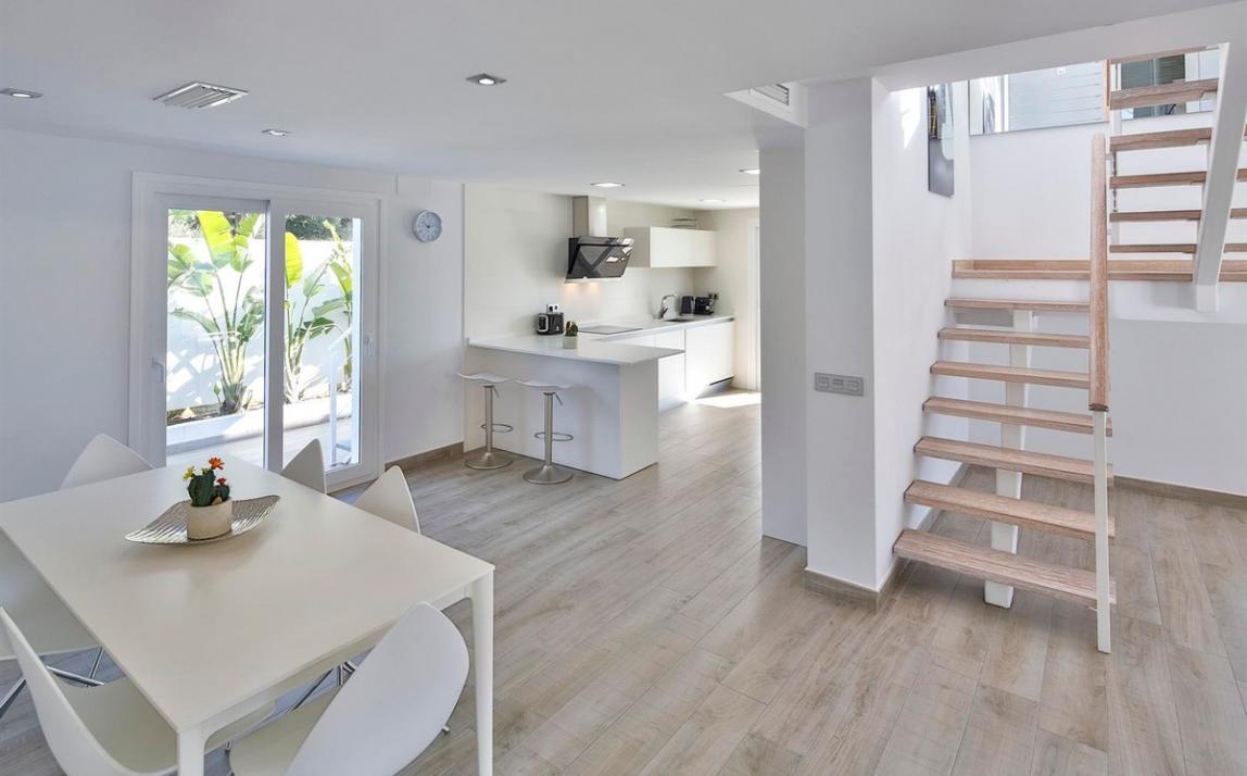 Modern villa for sale The Golden Mile Marbella R3166873 6