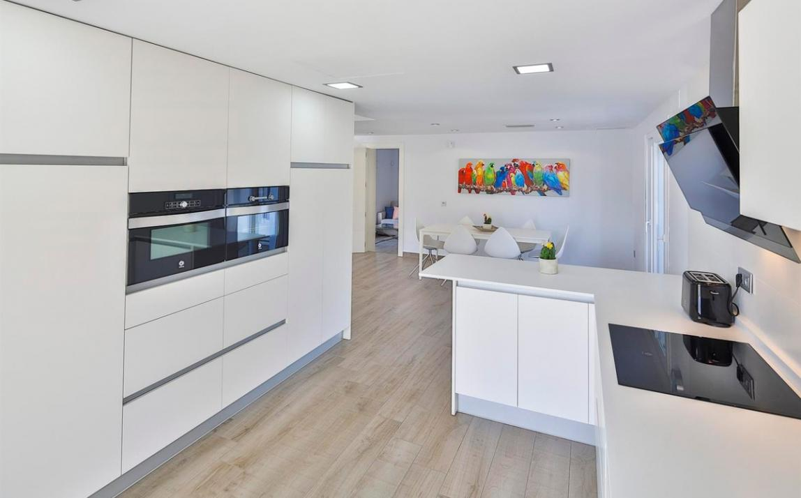 Modern villa for sale The Golden Mile Marbella R3166873 10