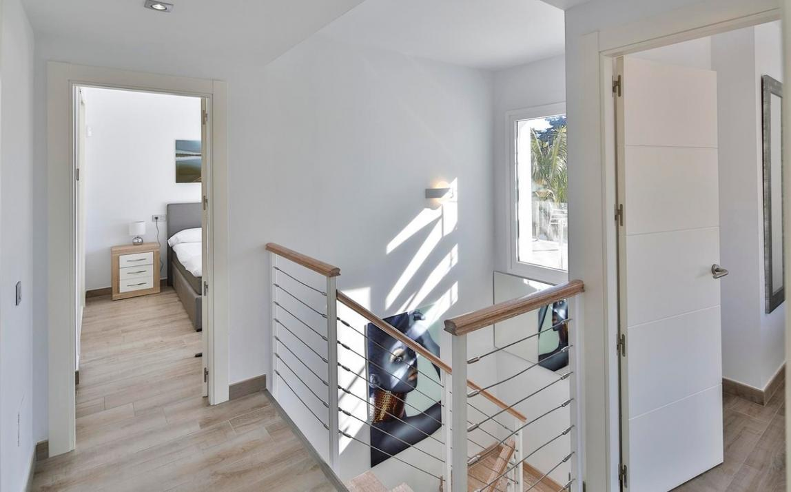 Modern villa for sale The Golden Mile Marbella R3166873 13