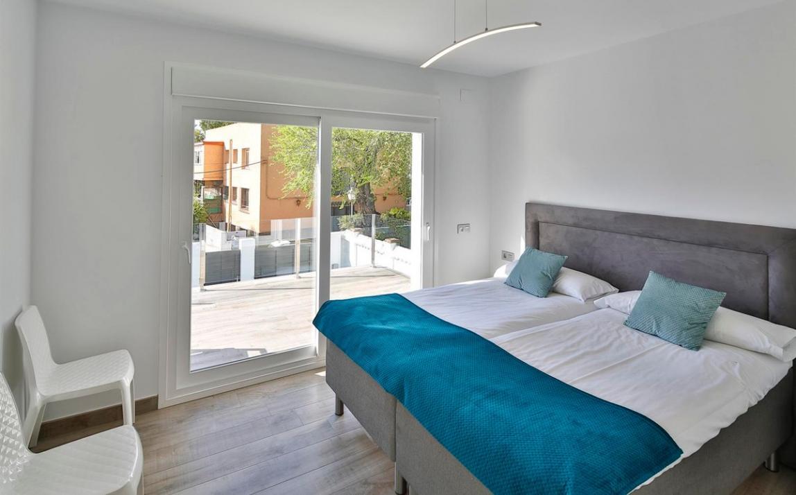 Modern villa for sale The Golden Mile Marbella R3166873 16