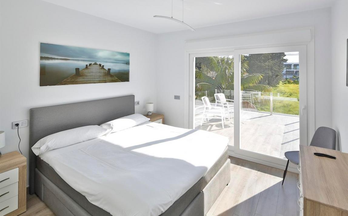 Modern villa for sale The Golden Mile Marbella R3166873 23