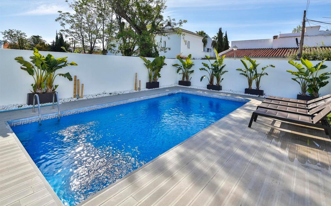 Modern villa for sale The Golden Mile Marbella R3166873 38