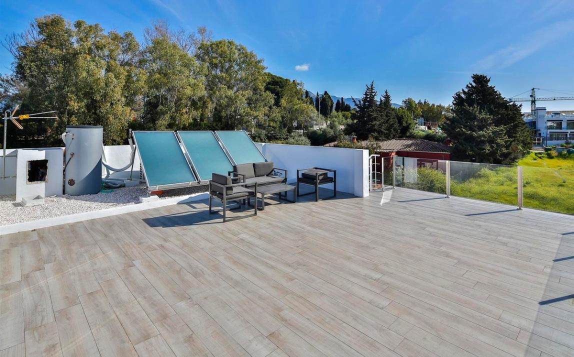 Modern villa for sale The Golden Mile Marbella R3166873 45