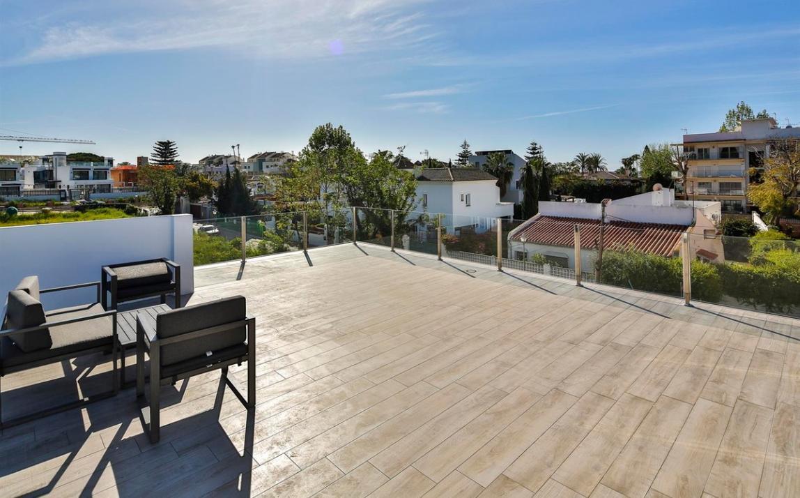 Modern villa for sale The Golden Mile Marbella R3166873 46
