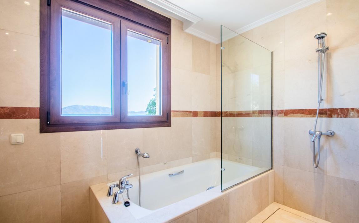 Villa - Semi Detached, La Mairena Costa del Sol Málaga R3667772 21